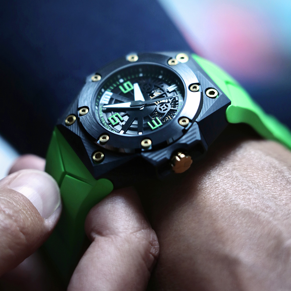 Pic 1 - LW_1000x1000_OKTOPUS_DOUBLE_DATE_CARBON_GREEN_06