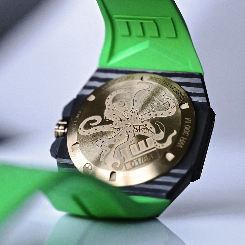 Pic 4 - LW_1000x1000_OKTOPUS_DOUBLE_DATE_CARBON_GREEN_13