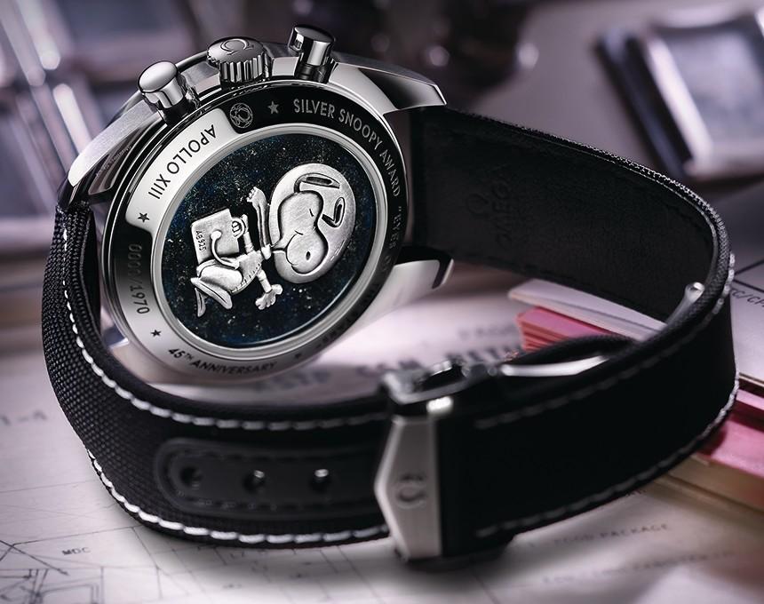 Omega-Speedmaster-Silver-Snoopy-Award-LE-2