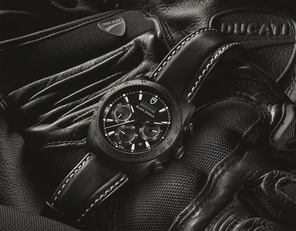 Tudor-Fastrider-Black-Shield-42000CN-amb