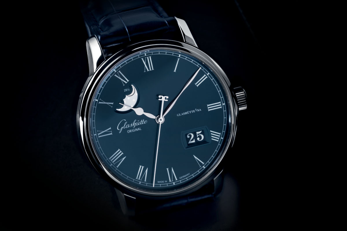 Glashuute-Original-Senator-Panorama-Date-Moon-Phase-Boutique-Edition-Blue-Dial-3