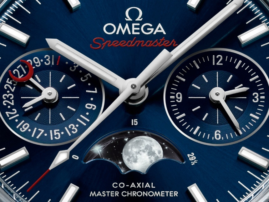 Omega-Speedmaster-Moonphase-Chronograph-Master-Chronometer-2