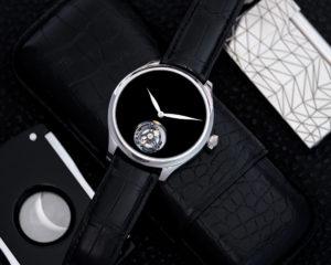 Présentation de la montre H.Manter & Cie. Endeavour Tourbillon Concept Vantablack